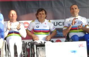 Luca Mazzone d'oro in Coppa del Mondo a Ostenda con Zanardi e Podestà