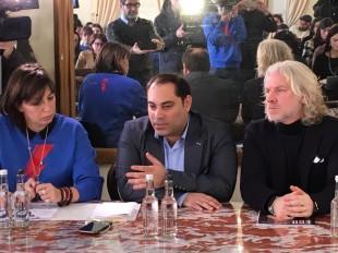 Al centro il sindaco di Taranto con Monica Caradonna e l'assessore Fabiano Marti